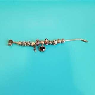 Pandora 17cm 手鍊連圖中所有吊飾,$2500