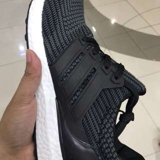Authentic Adidas Ultraboost 4.0