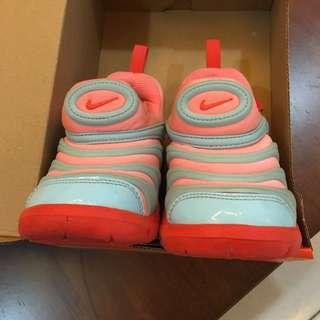 Nike ( toddler shoes )