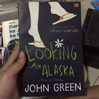 Looking for Alaska by John Green (Indo)