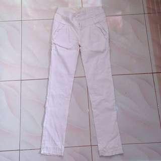 WHITE PANTS SALEEEE