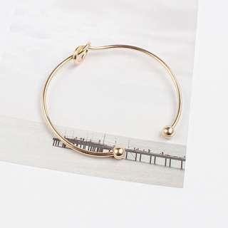 Minimalistic Knot Bangle - Gold/Silver