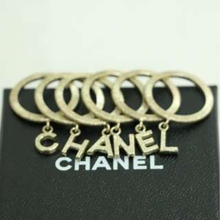 99% New CHANEL A63110 金色 英文字母 吊飾 戒指 戒子  Gold CHANEL Rings