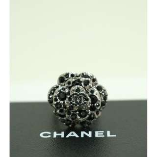 99% New CHANEL A60223 黑色 山荼花 閃石 戒指 戒子 Black Ruthenium Crystal Camellia Embellished with CC Logo Ring