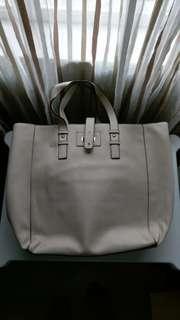 FOREVER21 Hand Bag 斯文款式 (極少用)$150