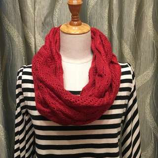 紅色圈圈頸巾 Red round scarf