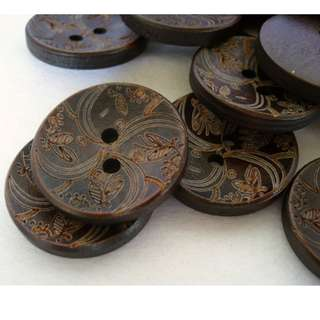 WB10007 - 25mm floral design crafted wooden buttons (10 pieces)  #craft
