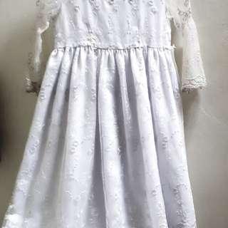 Dress renda dengan brokat