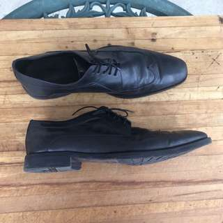 Hugo Boss Leather Shoes Size 10.5 US
