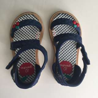 NEW NEVER WORN GRENDHA KIDS SHOES US7 EUR22/23 6""