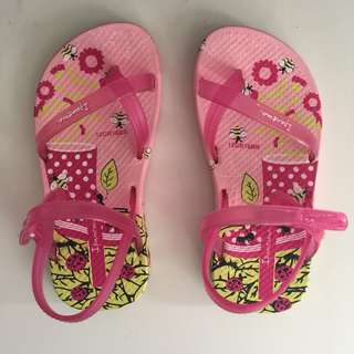 NEW NEVER WORN IPANEMA BABY SANDALS US7 EUR22/23 6""