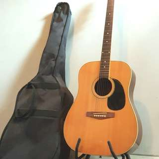Acoustic Guitar from USA