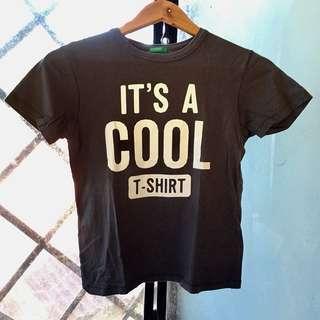 It's a cool t-shirt Benetton Top