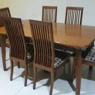 Meja makan + 6 Kursi makan kayu premium