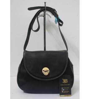 100% Authentic LANCEL Leather Crossbody Bag.
