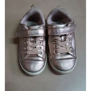 PRELOVED KIDS SHOES FOR SELL