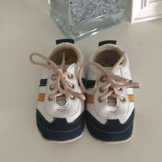 Prewalker shoes Hellomici