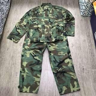 解放軍迷彩制服全套
