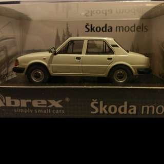 Abrex Škoda 120L EB-Ice White 1:43 vehicle model 模型車