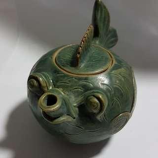 Fatty Fish Teapot
