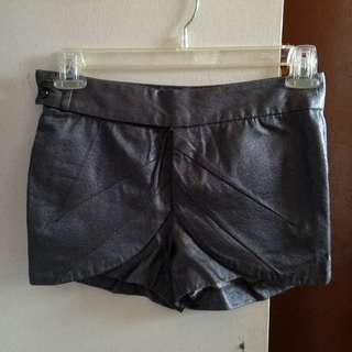 Folded&Hung Elegant Shorts