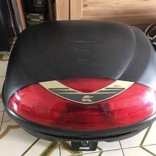 Kappa box 42l able to fix 2 helmet