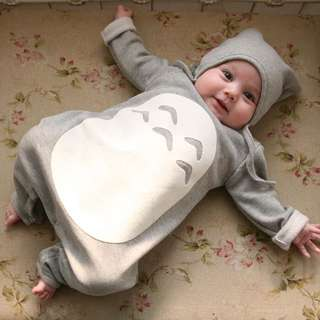 BNWT Totoro onesie set with hat