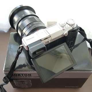 Panasonic Lumix DMC-GX7 & VoigtlanderNokton 17.5mm f/0.95 Lens
