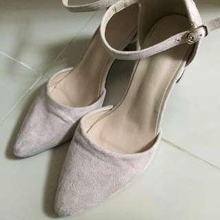 🎊新年優惠‼️杏色尖頭高踭鞋只係着過一兩次‼️ Size 39