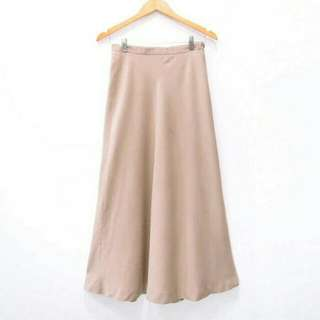 C21 Rok Formal Kerja Kuliah Highwaist Light Brown Maxi Skirt