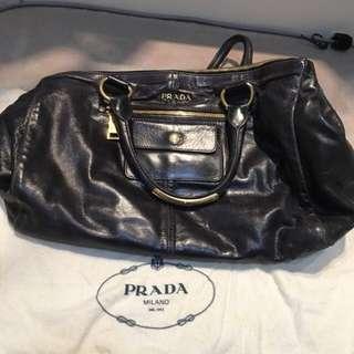 再減減價Reduced Price/Sale)Prada 油皮深藍油皮Deep Blue Shoulder Bag