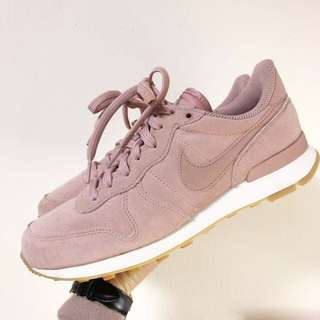 🚚 Nike internationalist 乾燥玫瑰花色