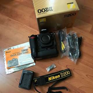 Nikon D200 body and Orignal Nikon Battery Grip, In very good conditions...