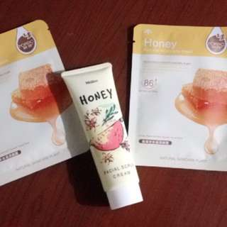 Honey cream face scrub and face mask