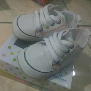 M and M baby shoes,prewalker shoes