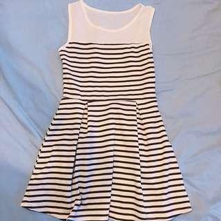 🚚 條紋白色透膚洋裝