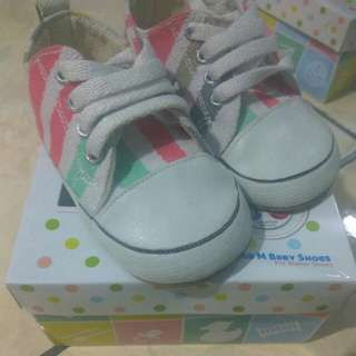 M and M baby shoes prewalker