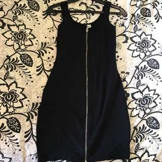 Bodycon black party dress