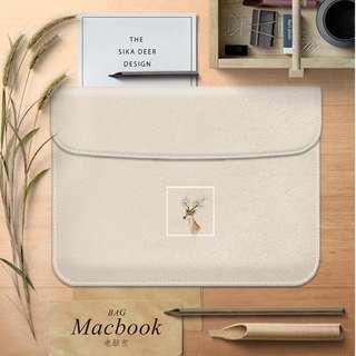 [ Instock ] Minimalist Reindeer Laptop Cover