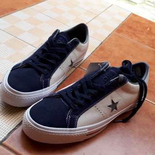 Consverse cons one star pro speckled Suede ox white obsidian (LUNARLON)