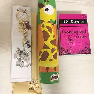 Cat Keychain , 101 days to knowing God for Girls