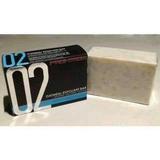 Luxxe Frontrow Soap 02 Oatmeal Exfoliant Bar with Glutathione + Skin Vitamins + Kojic Acid