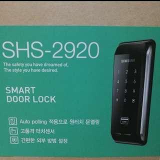Samsung smart door lock with 2 RFID tags