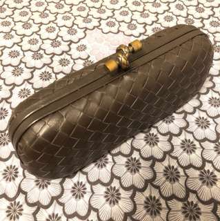 Bottega Venetta clutch in dark Brown