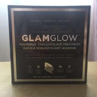 Glamglow youthmud tinglexfoliate mud mask