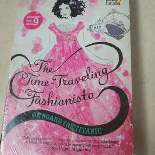 NOVEL THE TIME TRAVELLING FASHIONISTA