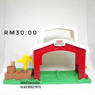 FISHER PRICE LITTLE PEOPLE BARN