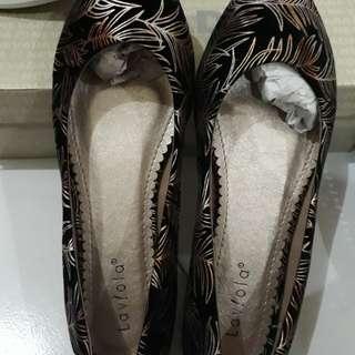 Sepatu Lavlola baru