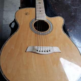 RJ music guitar bihira ko lang po gamitin cmula ng binili ko mag 1yr pla skin .