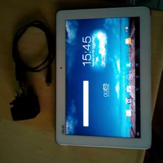 "Asus 10.1"" tablet with 1gb ram 16gb rom and charger"